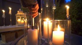 Tænd et lys med denne lighter uden at brænde fingrene